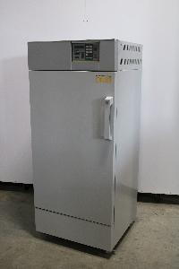 YAMATO MECHANICAL CONVECTION OVEN, 200°C