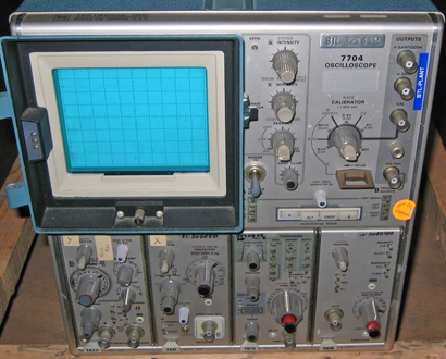 Tektronix 7704 Oscilloscope
