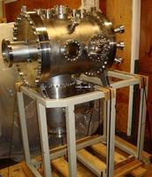 Large Volume UHV Vacuum Chamber with Sturdy Frame